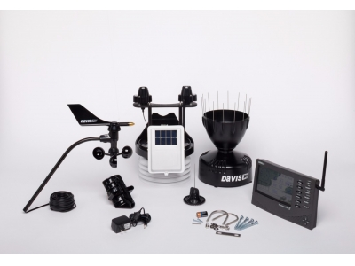 Wireless Vantage Pro2™ Plus including UV & Solar Radiation Sensors